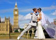 Cặp đôi mê du lịch đi khắp thế giới và cưới nhau… 100 lần